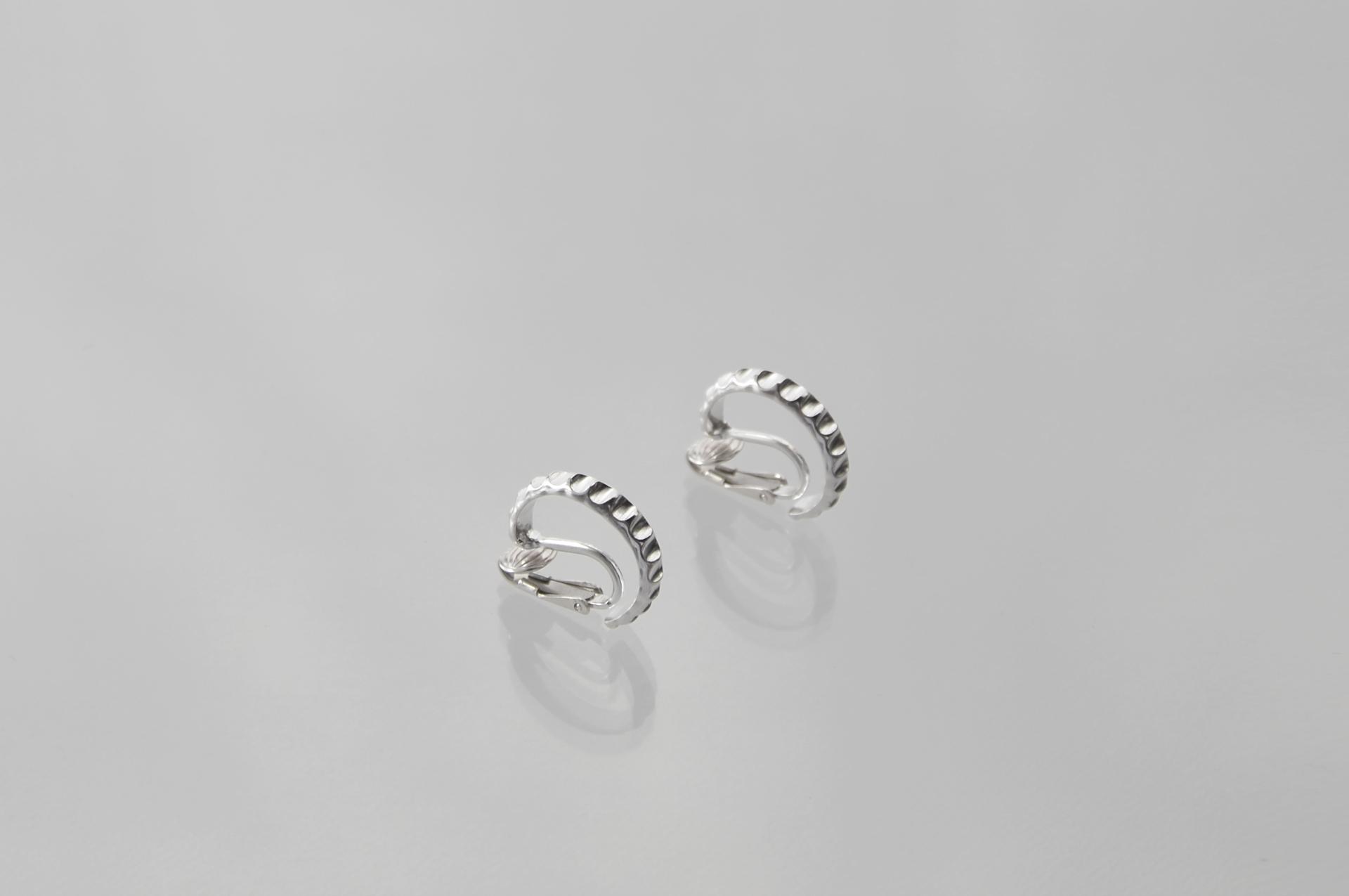 corona-earrings_jan2018